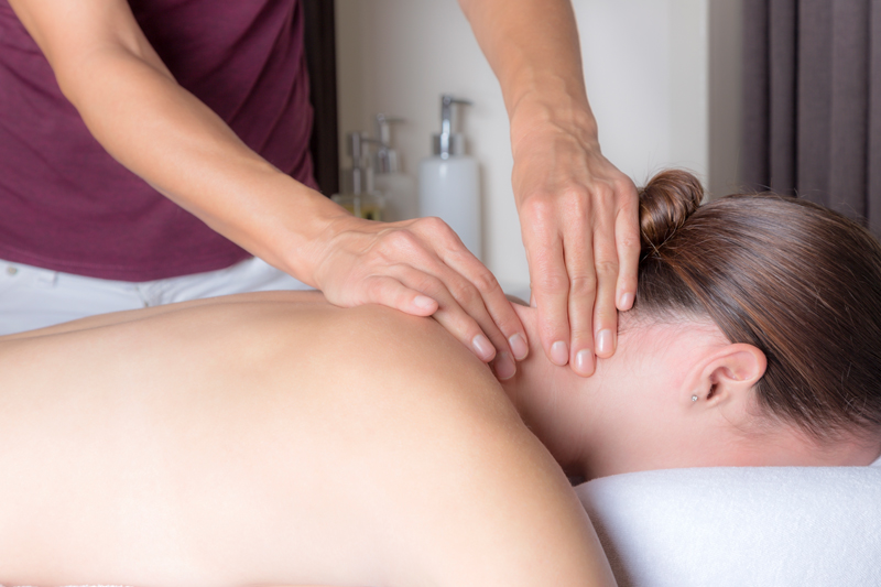 Nek schouder Massage Touch of Health Hellevoets